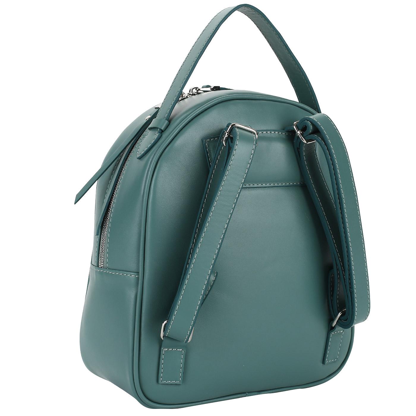 72ae52017f6b Альтернативой маленькой женской сумочке может послужить этот аккуратный  стеганый рюкзачок из натуральной кожи. Аксессуар зеленого цвета закрывается  на ...