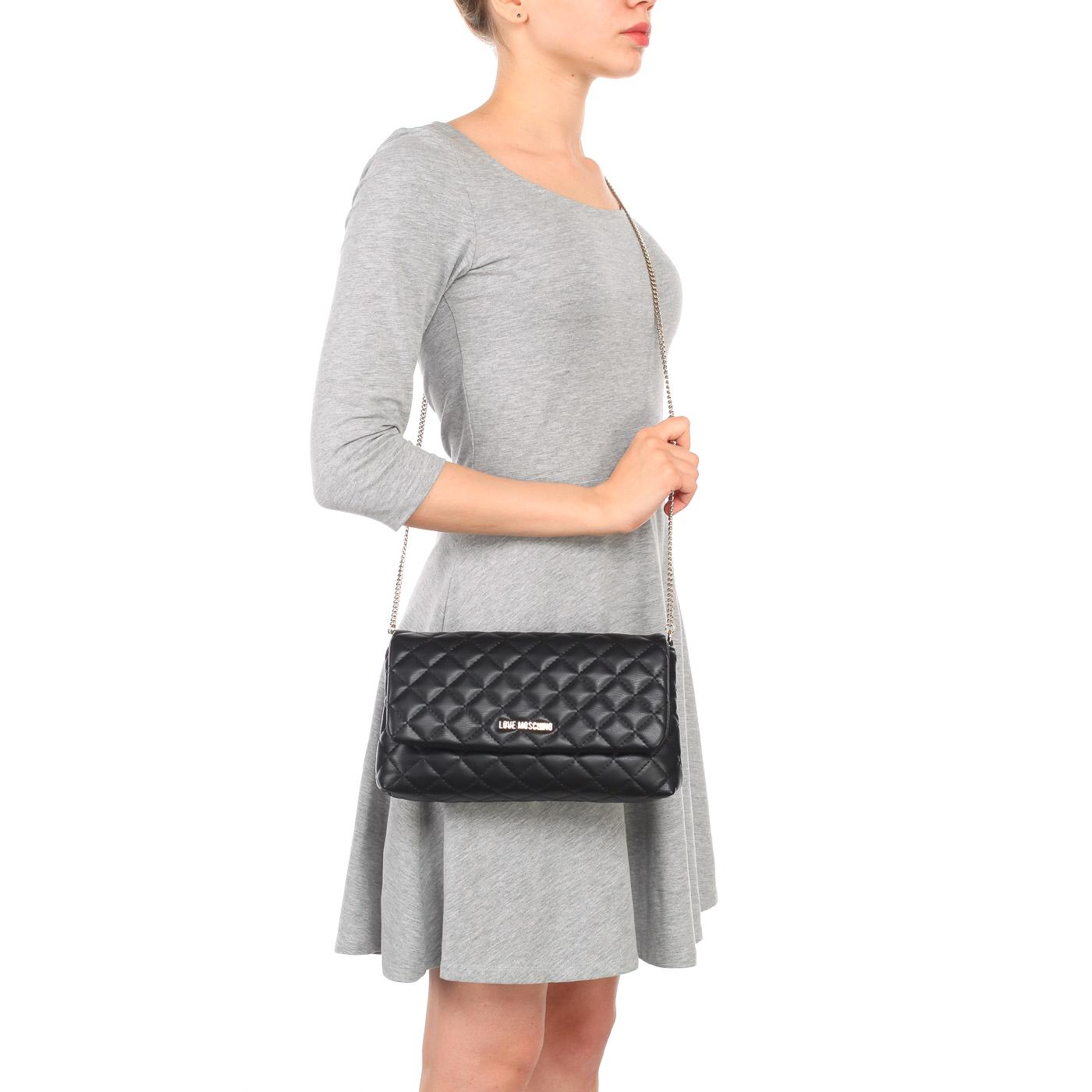 3a76f5344dae ... Маленькая черная стеганая сумка с откидным клапаном и цепочкой Love  Moschino Evening bag ...