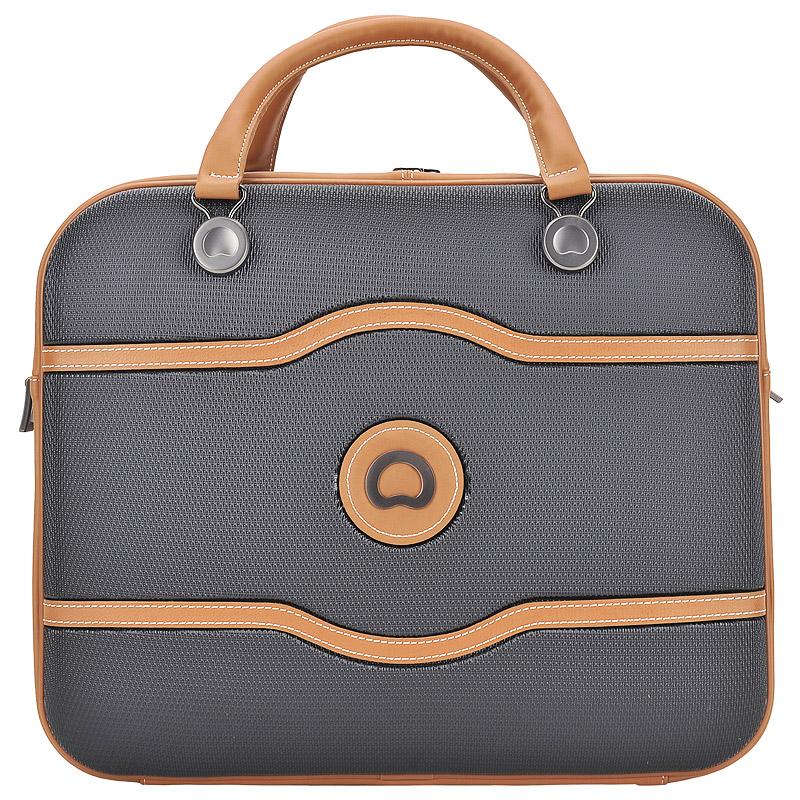 Дорожная сумкаДорожные сумки<br>Съемный регулируемый плечевой ремешок. Закрывается на молнию. Внутри одно отделение,в котором карман для ноутбука.<br><br>count_sale: 0<br>new: 0<br>sale: 0
