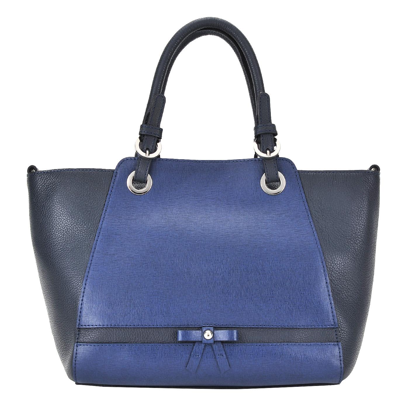 СумкаКлассические сумки<br>Съемный регулируемый плечевой ремешок. Закрывается на молнию. Внутри одно отделение, в котором карман на молнии и два кармашка для мелочей.<br><br>count_sale: 0<br>new: 1<br>sale: 0