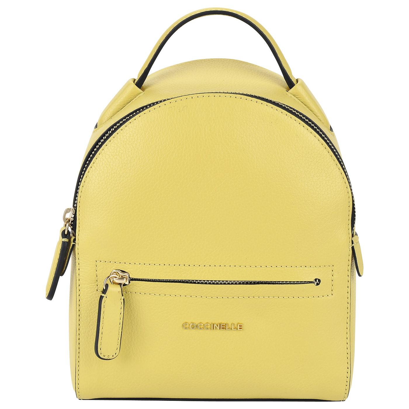 303492b32776 Маленький женский рюкзак из натуральной кожи Coccinelle Clementine soft ...